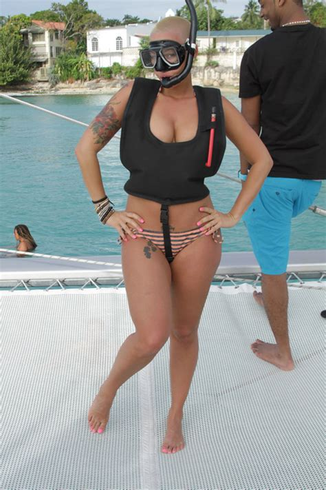nsfw amber rose goes topless in barbados shows off her amber rose 2011 leaked