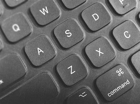 Pro Smart Keyboard the pro smart keyboard vs the microsoft surface pro 4 type cover infinite diaries