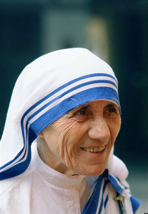 a biography about mother teresa the saint of the gutters mother teresa of calcutta quotes quotesgram