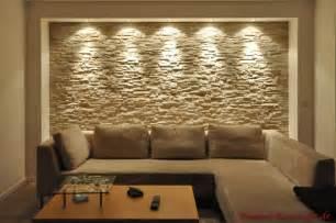 steinwände wohnzimmer riemchen mit lichteffekten im wohnzimmer mediterraner hausbau