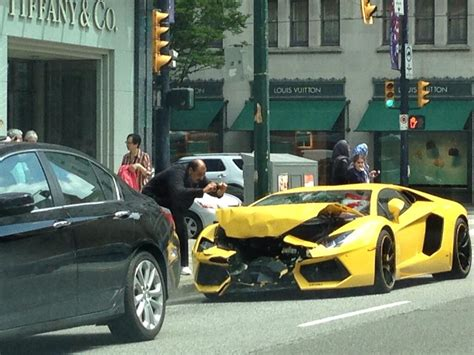 Lamborghini Of Vancouver Photos Lamborghini Totalled In Downtown Vancouver