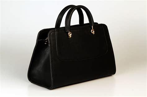 Tas Michael Kors Vertikal Tote Free Pouch free photo handbag black gold free image on pixabay