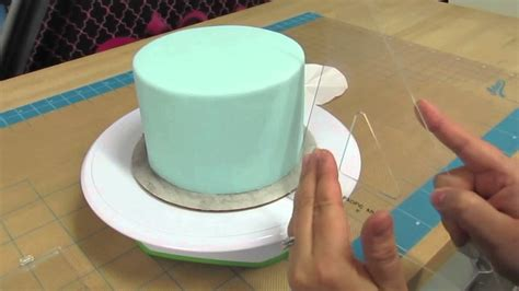 making quilted pattern fondant how to create quilt pattern on a cake the krazy kool cakes
