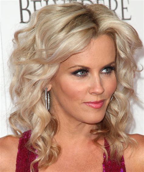 hairstyle of jenny mccarthy on the view jenny mccarthy hairstyle on the view jenny mccarthy to