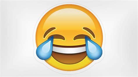 imagenes de un emoji navegante y la palabra del a 241 o es un emoji el mundo