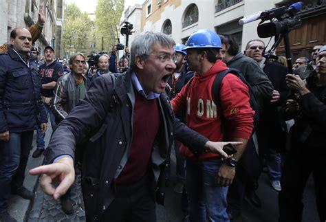 gazebo trasmissione tv scontri ast digos chiede a gazebo e reti tv di consegnare
