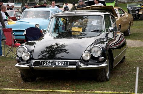 Citroen Ds19 by 1966 Citroen Ds19 Information And Photos Momentcar