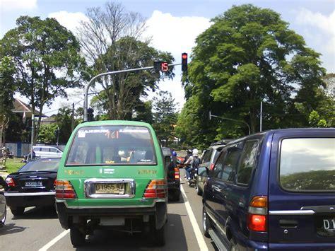 Lu Di Bandung mega pics foto dp gambar sahabat pergi