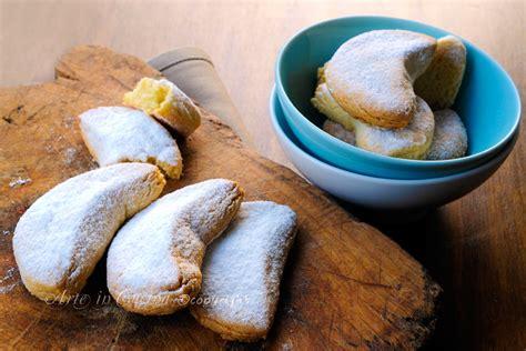 dolci greci kourabiedes biscotti greci alle mandorle arte in cucina
