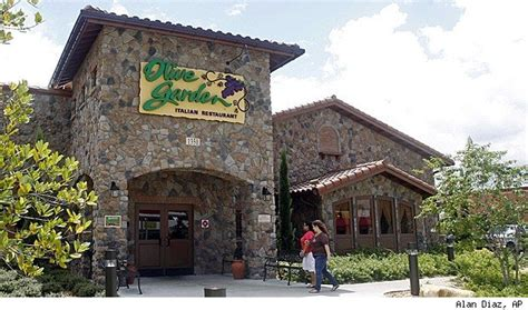 Resume For Federal Government Jobs by Olive Garden Red Lobster Workers Sue Alleging Unpaid Wages