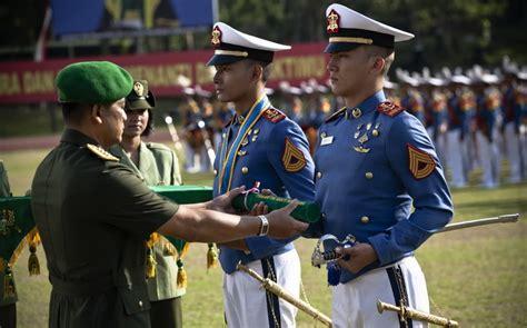 film kisah nyata militer doea tanda cinta kisah nyata kehidupan di akademi militer
