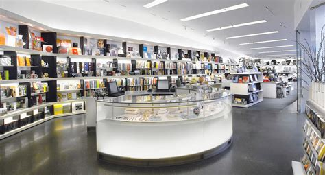TOP 10 MUSEUM GIFT STORES IN THE WORLD! ? Design Museum
