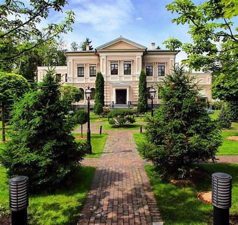 Ex-Soviet Elite Homes, Now Moscows Wealthiest Area | I ...