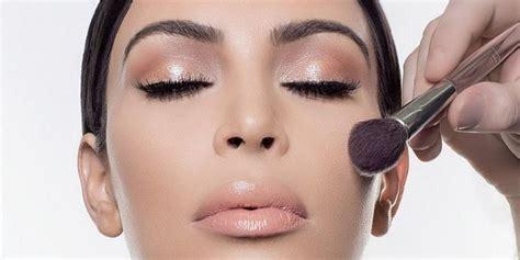 what happens when kim kardashians makeup artist does kim kardashian makeup artist star charges fans 163 500 to