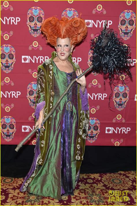 bette midler in hocus pocus costume bette midler dresses up as hocus pocus character for