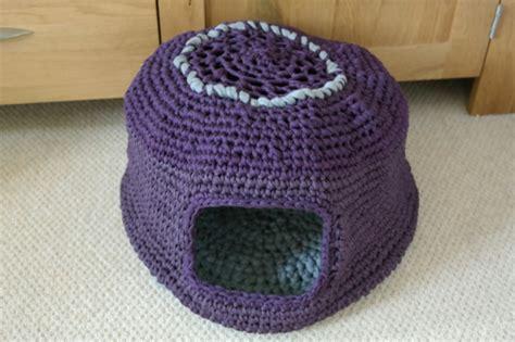 free crochet pattern cat cave crochet cat nest guy who crochets