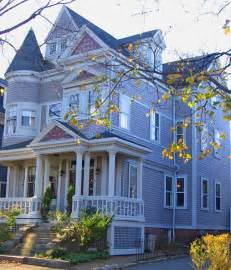 queen anne victorian house colors