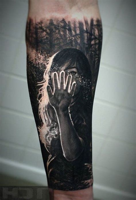 negative shading tattoo best 25 negative space ideas on