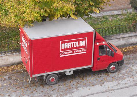 bartolini sede rubato furgone della bartolini merce rinvenuta disponibile