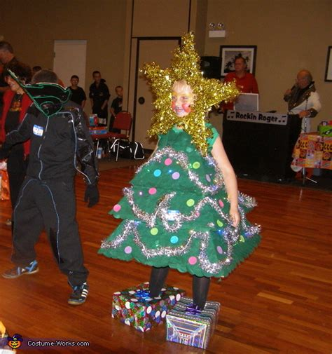 christmas tree homemade halloween costume photo 4 4