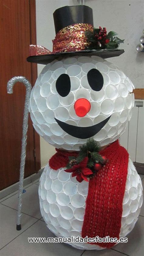 arbol de navidad de vasos de plástico m 225 s de 25 ideas incre 237 bles sobre mu 241 eco de nieve de