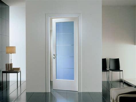 porte con vetri colorati porta a battente in vetro colorato mirabilia porta in