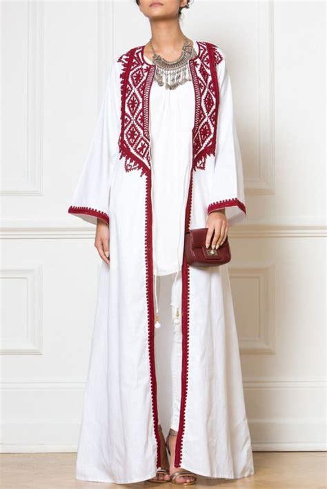 Celana Putih Japan 5 style lebaran yang bisa menjadi inspirasi kamu berkumpul bersama keluarga kawaii japan