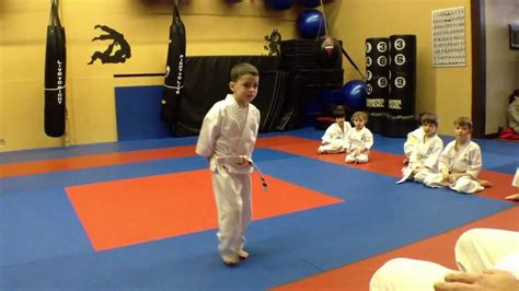 a typical children s karate class ages 4 7 at arashi do