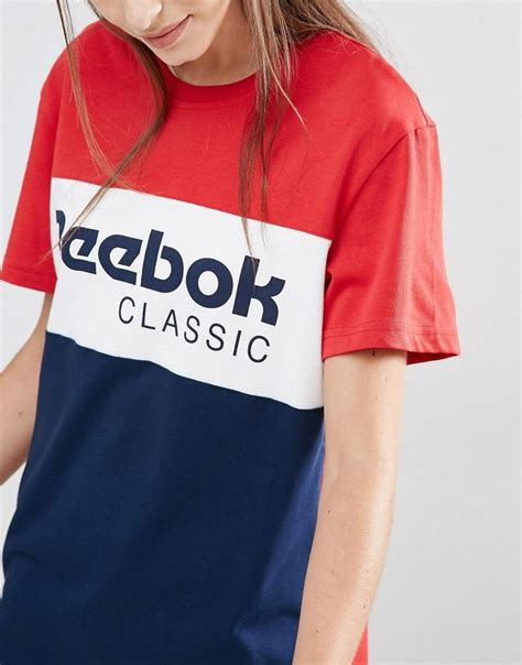 T Shirt This Is A Classic Reebok image 3 of reebok classics panel logo oversized t shirt in