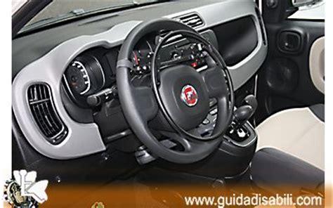 auto al volante fiat panda al volante idea di immagine auto