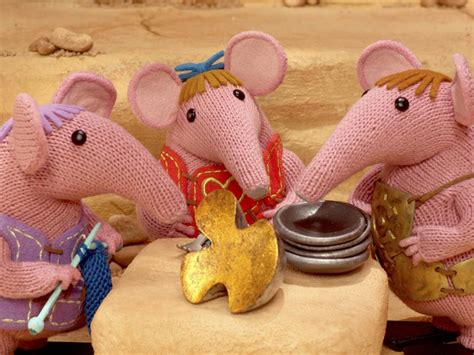 the clangers knitting pattern clangers return with free knitting pattern