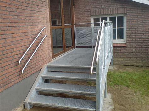 Treppe Edelstahlgeländer by Treppenanlagen Www Mebius Metallbau De