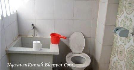 membuat harum kamar mandi tips cara mengharumkan kamar mandi perawatan rumah