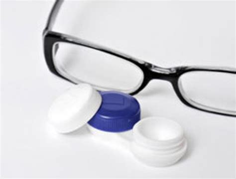 contact lenses vs eye glasses which one would you choose