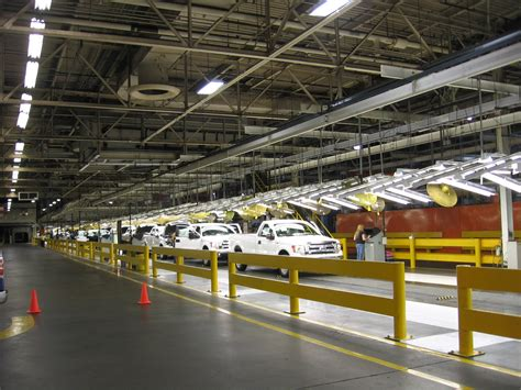 Claycomo Ford Plant by Third Shift Workers Start At Claycomo Ford Plant Kcur
