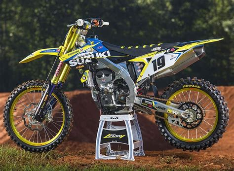 jgr racing motocross jgr gets serious with its 2018 rm z450 testing motocross
