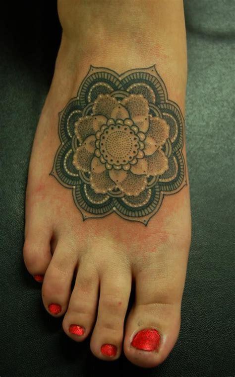 mandala foot tattoo mandala on foot fanphobia database