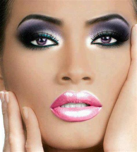 Eyeshadow Faced step by step guide on how to wear makeup escarcha