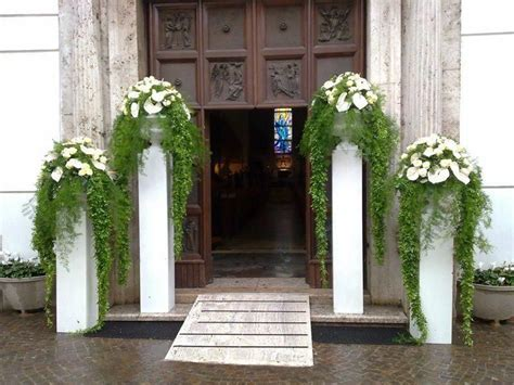 Elegant pillars for any wedding entrance or wedding set