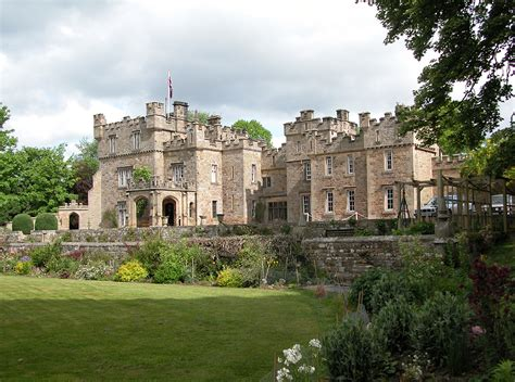 House With A Moat hotel r best hotel deal site