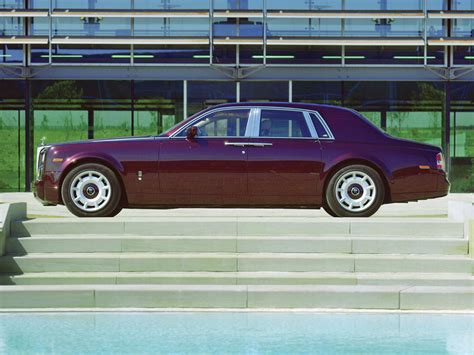 2004 Rolls Royce Phantom Maroon Side 1024x768 Wallpaper