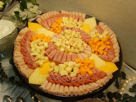 How To Decorate Cheese Platter by Best 25 Cheese And Cracker Tray Ideas On