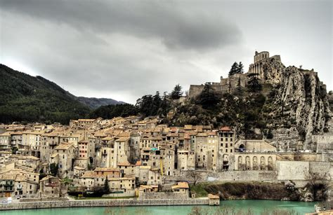 Discount Wall Murals 0001cc sisteron in southeastern france world wide wall