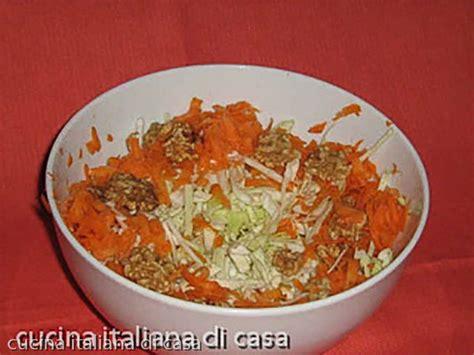 www ricette di cucina insalata di cavolo cappuccio con carote e noci ricette