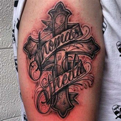 tattoo arm kreuz wundervolle kreuz t 228 towierungen tattoo lettering tattoo
