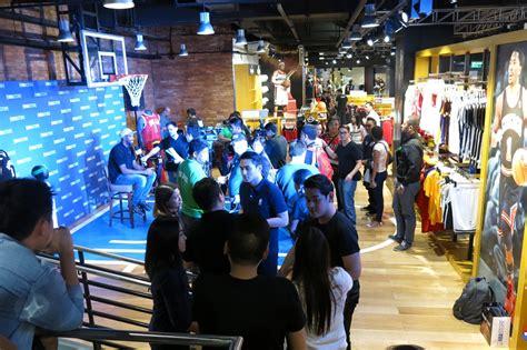 basketball shoe store philippines nba store philippines now open for basketball fans