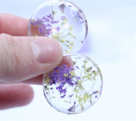 with resin how to make dried flower ear tunnels with silicone