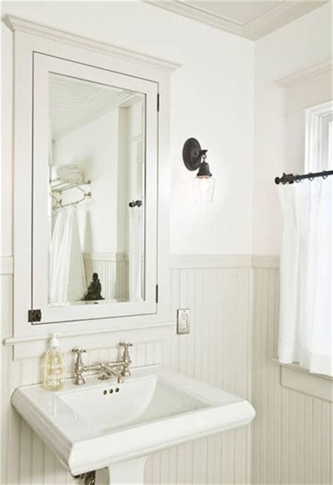 Classic White Bathroom Design And Ideas Housemaniaczka O Pięknych Wnętrzach Mała łazienka Wielkie Wyzwanie Wspaniały Efekt