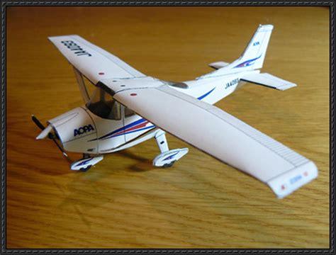 Papercraft Aircraft - cessna 182 skylane free airplane paper model papermodels