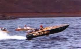 boat ride yarrawonga john lewis vulture photographs